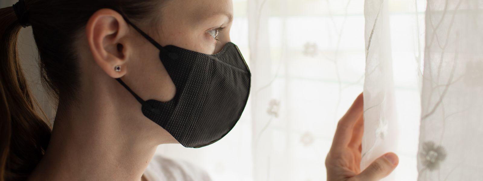 Kann ich mich trauen, die Wohnung trotz Pandemie zu verlassen? Zwischen gesunder Vorsicht und übertriebener Panik ist es oft nur ein schmaler Grat.