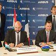 Vizepremier Etienne Schneider unterzeichnete mit Patrick de Castelbajac von Airbus das Abkommen.