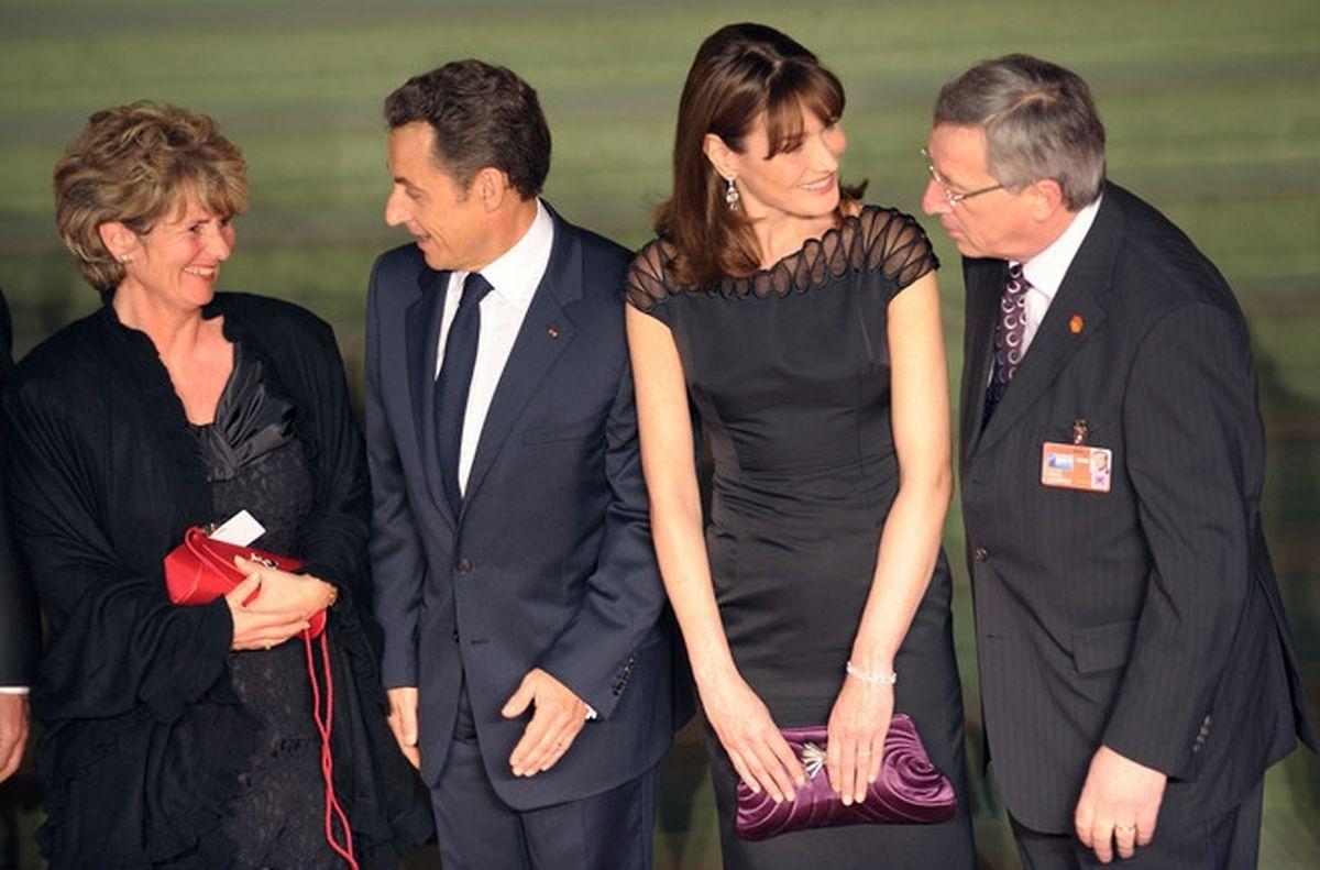 Com Nicolas Sarkozy e Carla Bruni em 2009.