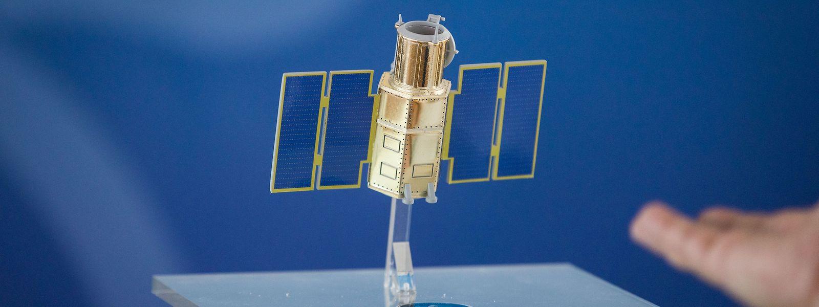Ein Modell des Observationssatelliten LUXEOSys.
