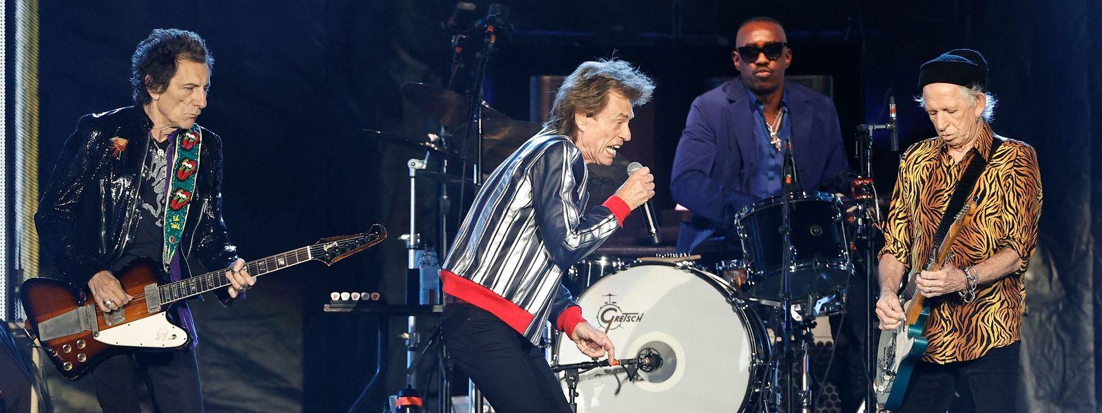 Gruppenbild mit neuem Mann: Die Rolling Stones mit Steve Jordan (3.v.l.), der statt dem kürzlich verstorbenen Charlie Watts am Schlagzeug sitzt.