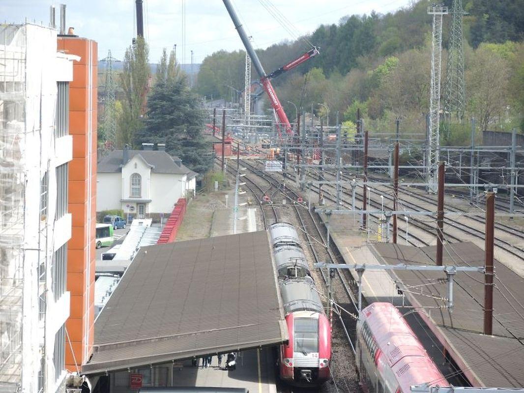 """Der Blick am Dienstag, dem 18. April über die Bahnhofsanlage. Die """"Ronn Bréck"""" ist Geschichte."""
