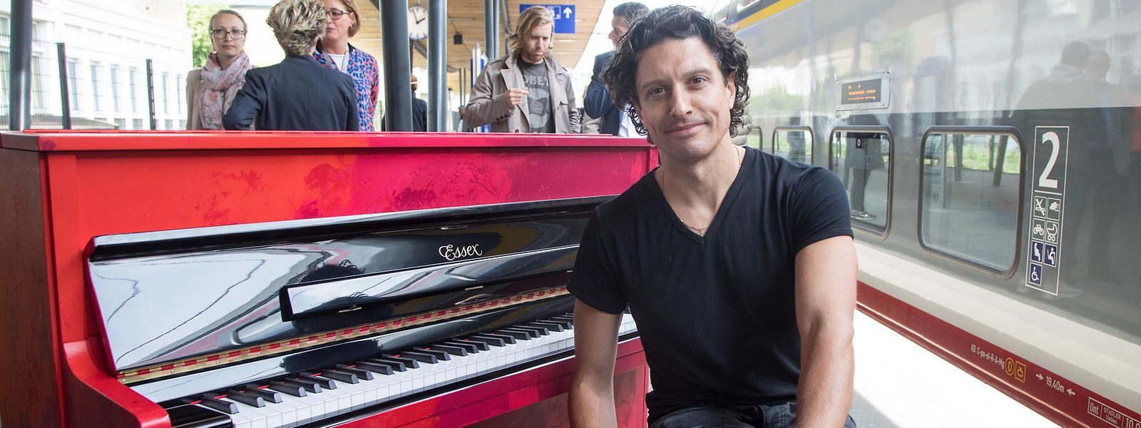 Le pianiste David Ianni et son «Piano of Hope».