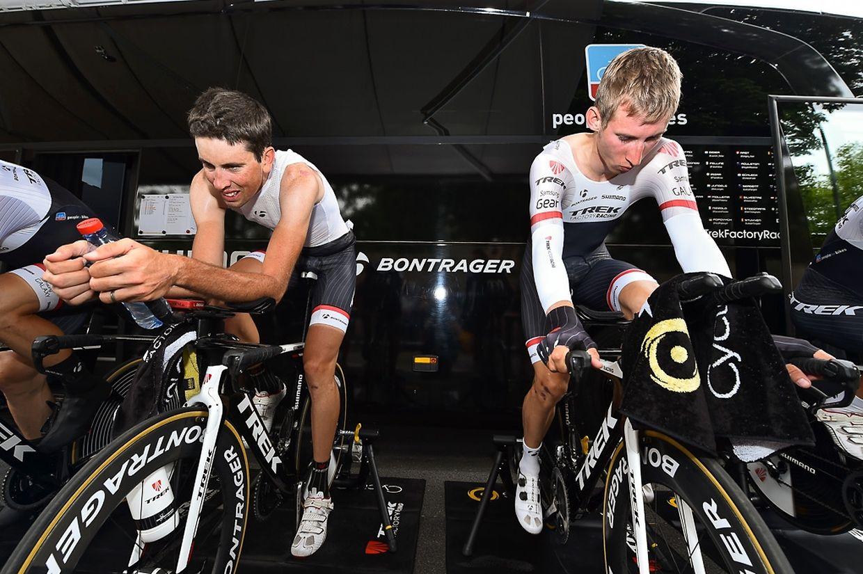 Laurent Didier und Bauke Mollema (Trek Factory Racing) beim Aufwärmtraining.