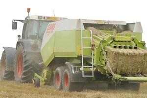 Traktor Strohpresse