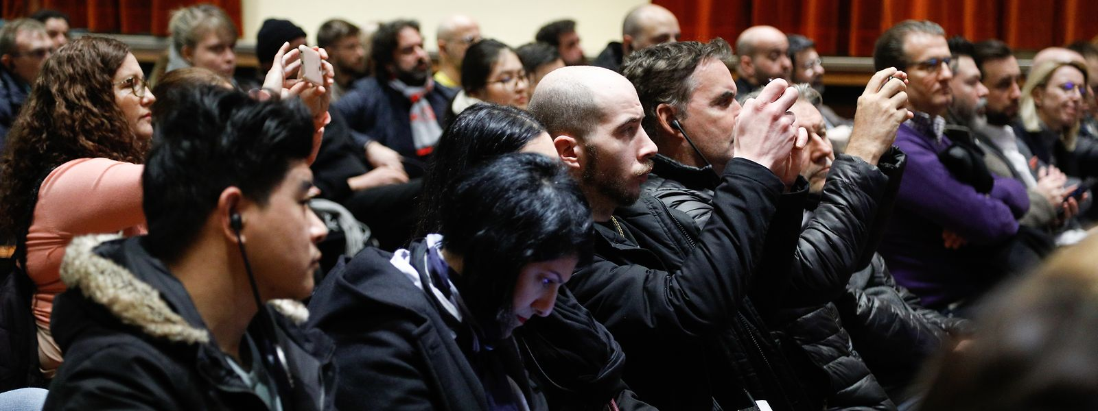 Die Informationsversammlung verdeutlichte, dass mittlerweile viele von der Trambaustelle betroffene Geschäftsleute auf dem Zahnfleisch gehen.