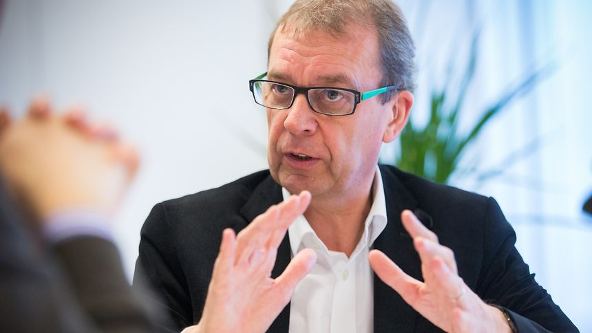 Luxembourg's sustainable development minister Camille Gira is heading to Belgium to voice his concerns over Belgium's ageing nuclear power plants