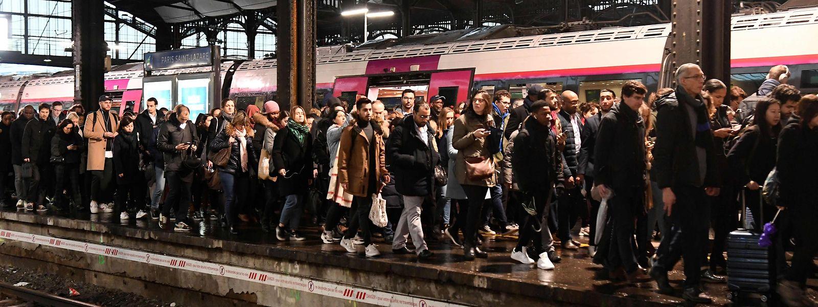 Die Proteste gegen die Rentenreform führen in der Metropole Paris regelmäßig zu einem Verkehrskollaps.