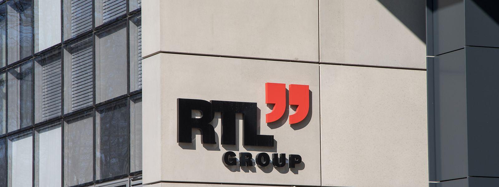 Fondée en 1931, Radio Télévision Luxembourg devenue depuis RTL Group, opère depuis le Kirchberg et compte comme actionnaire majoritaire (à 75%) la société de médias allemande Bertelsmann.