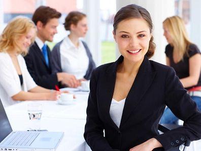 Les grandes entreprises ont mis en place des intégrations pour les jeunes recrues.