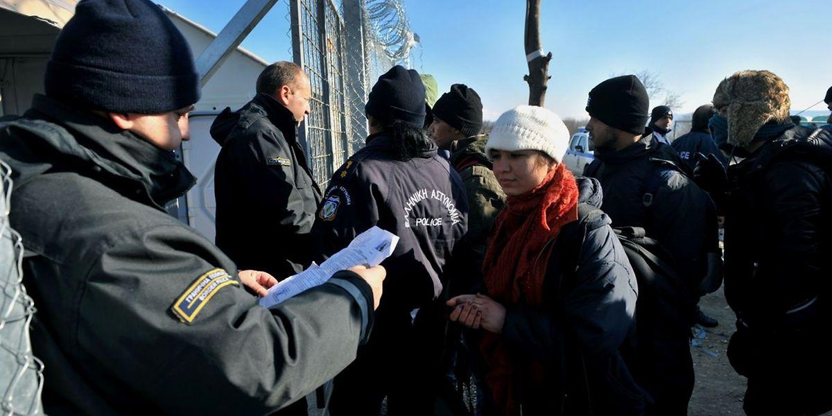 Die Grenze zu Griechenland wurde beim Eisenbahnübergang Idomeni-Gevgelija geschlossen.