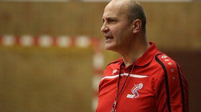 Nationaltrainer Adrian Stot dürfte Georgien bestens kennen.