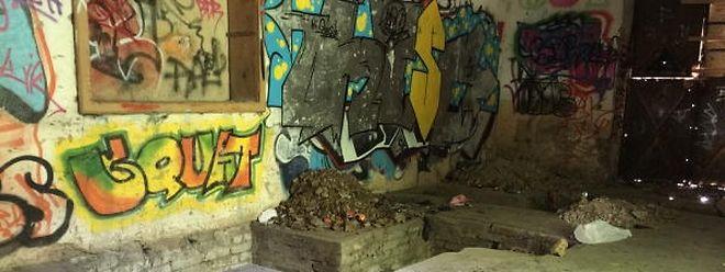 In dieser Ruine am Weiher zwischen Linger und Petingen wurden letzte Spuren des Kindes gefunden.