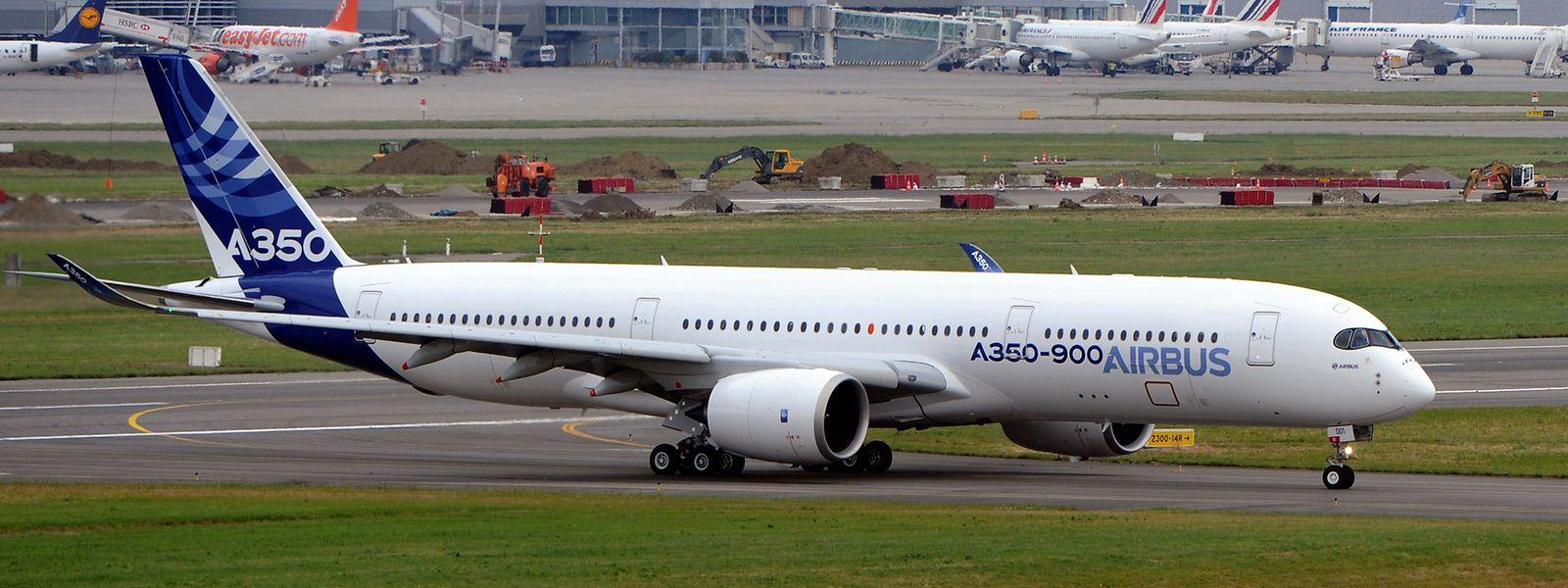 Die A350-900 könnte die Basis des kommenden Airbus-Frachters werden: Sie kann zwar weniger zuladen als die 747 von Boeing, übertrifft diese aber bei Reichweite und verbraucht deutlich weniger Kerosin.
