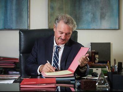 Auf insgesamt 23 Posten im diplomatischen Korps und in seiner ministerialen Verwaltung nimmt Außenminister Jean Asselborn Neubesetzungen vor.