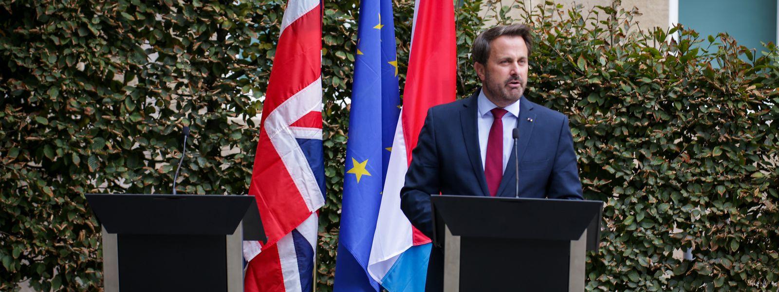 Johnson hat seine kurzfristige Absage einer gemeinsamen Pressekonferenz mit Xavier Bettel mit Protestlärm begründet.