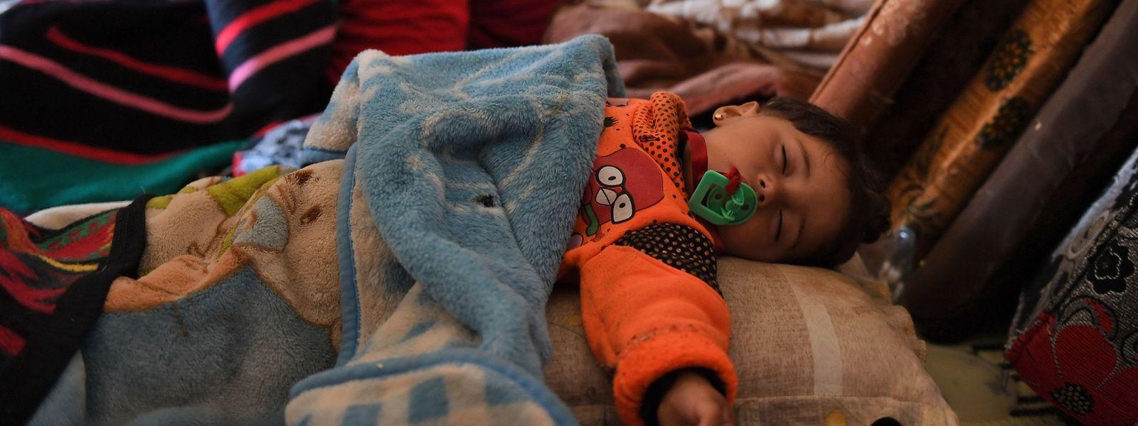 Helfer berichteten unterdessen von einer dramatischen humanitären Lage im Kurdengebiet Afrin im Nordwesten Syriens nach dem Einmarsch türkischer Truppen und ihrer Verbündeten. Besonders stark betroffen sind Kinder, Frauen und Ältere.