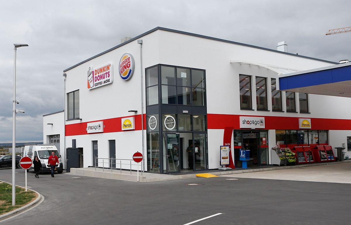 In der Rue Léon Laval in Leudelingen wurde von Franchisenehmer Michael Berger am Freitag der dritte Burger King des Landes in Betrieb genommen.