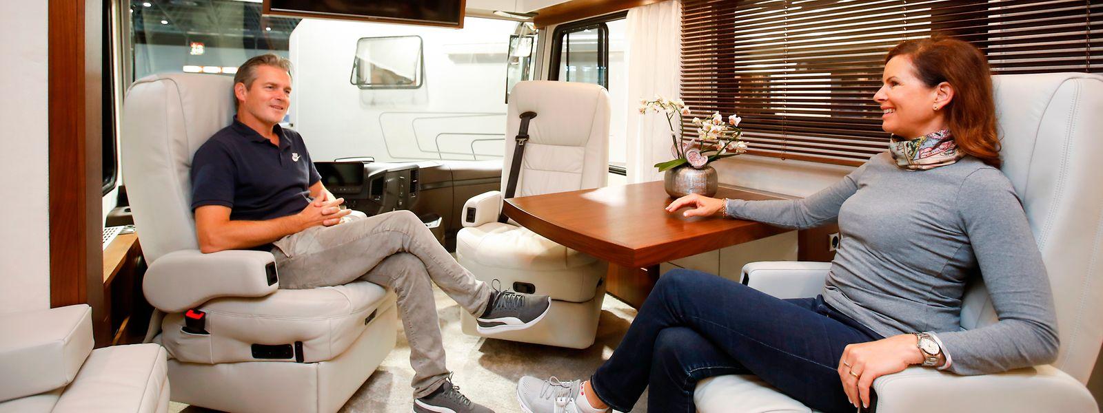 Lounge auf Rädern: Im Vario Perfect von Variomobil stehen bis zu 31 Quadratmeter reiner Wohnraum zur Verfügung.