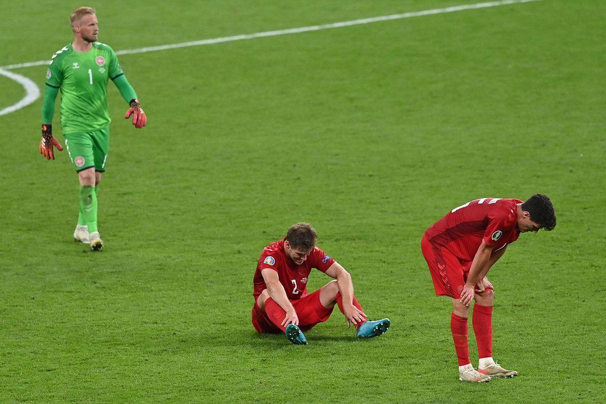 Große Enttäuschung nach dem Aus: die dänischen Spieler.