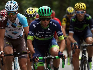 (From L) Luxemburg's Ben Gastauer, Australia's Michael Matthews and Colombia's Sergio Henao Montoya ride in a breakaway during the 146,5 km twentieth stage of the 103rd edition of the Tour de France cycling race on July 23, 2016 between Megeve and Morzine-Avoriaz, French Alps. / AFP PHOTO / KENZO TRIBOUILLARD