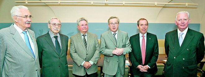 Premier Juncker holte sich Rat bei den Gründungsvätern der Tripartite: Joseph Kinsch, Marcel Mart, Benny Berg, John Castegnaro und Ehrenstaatsminister Jacques Santer.