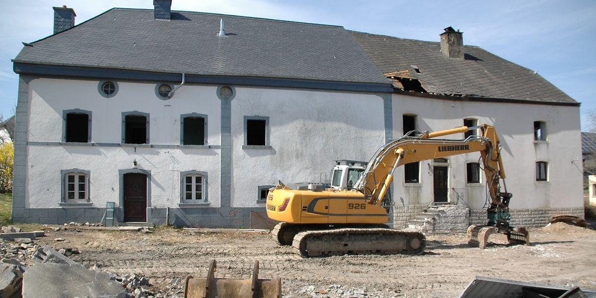 Diese beiden Häuser in Heinerscheid standen vor dem Abriss. Nun sollen sie doch noch Denkmalschutz erhalten.