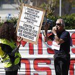 Lesados do BES em protesto ruidoso junto à casa do governador do Banco de Portugal