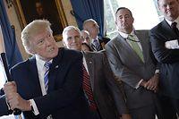 En affaires comme en politique, Donald Trump fonctionne sur un principe simple: pour ou contre lui, sans nuances.