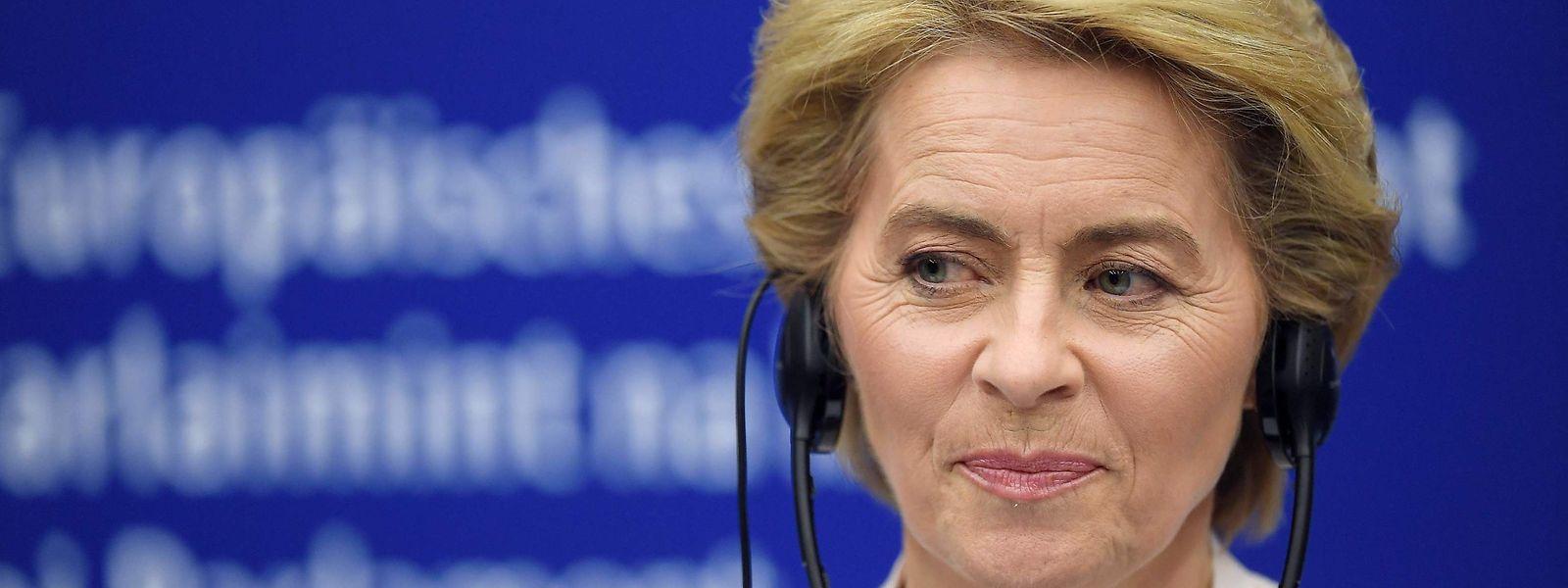 Six candidats manquent encore à l'appel pour permettre à Ursula von der Leyen de constituer une équipe de 26 commissaires européens.