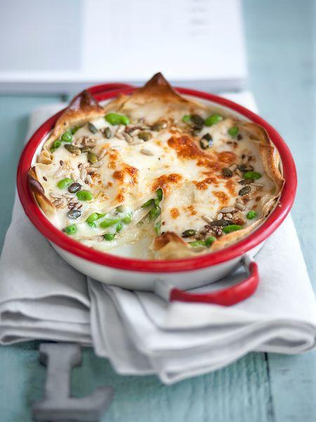 Lasagne mit Erbsen, Edamame und Kernen
