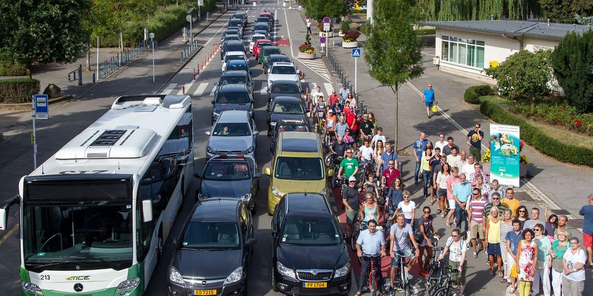 Alle waren in Esch mit am Start: Ein Bus, Auto- und Fahrradfahrer sowie Fußgänger wurden für das Fotoprojekt abgelichtet.