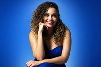 Solange Cesarovna gere a partir de Cabo Verde os concertos e a Sociedade Cabo-verdiana de Música, de que é presidente