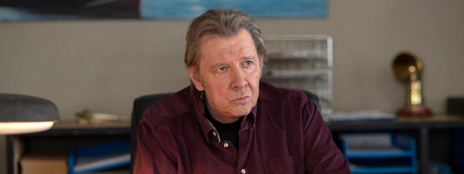 Am Schreibtisch: Jan Fedder saß zuletzt im Rollstuhl – seine Rolle wurde dementsprechend umgeschrieben.