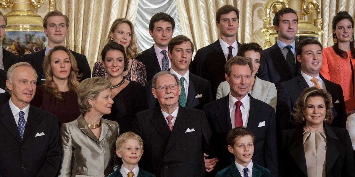Kinder, Enkelkinder und Urenkel des Jubilars.