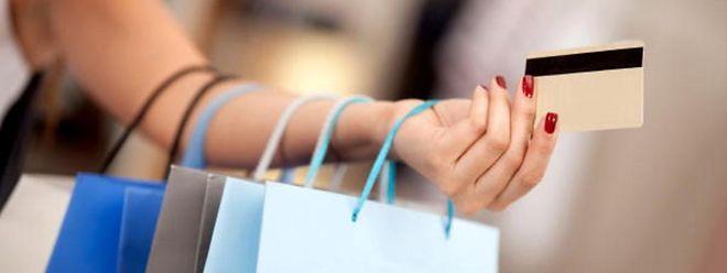 Lange Wartezeiten, uninformierte Verkäufer - Kunden sind in Luxemburger Geschäften oft unzufrieden.