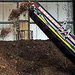Herbst. Blätter in Esch werden beseitigt. Minettkompost
