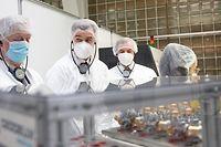 Wirtschaft, Visite Rotarex, S.A.R. Guillaume, Franz Fayot, ministre de l'Économie, Jean-Claude Schmitz, CEO, Rotarex Covid-19, Coronavirus, Chris Karaba/Luxemburger Wort