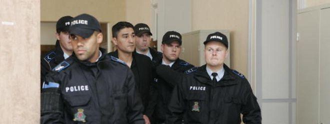 Gilles Lousada (Mitte) muss sich auf eine lange Haftstrafe einstellen.