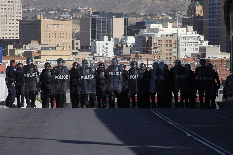 US-Grenzschützer sollen Migranten davon abhalten, in die USA einzureisen.