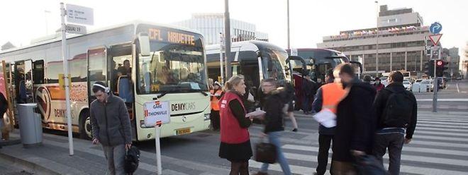 Des cars de substitution ont été mis en place mercredi afin d'acheminer les usagers des TER vers Thionville.