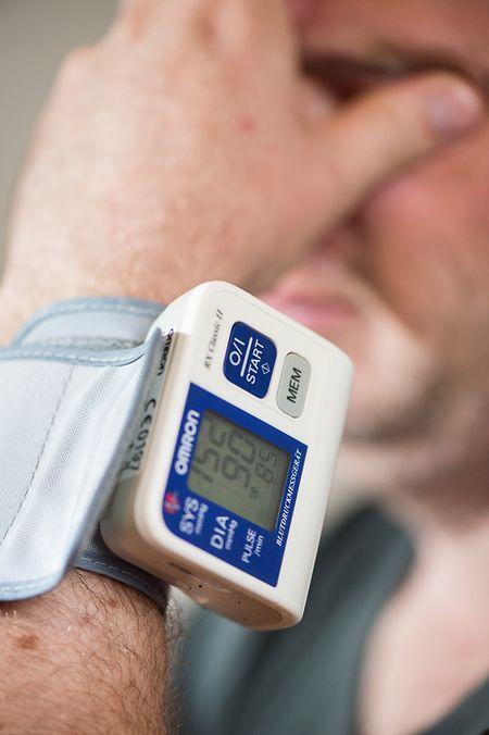 Unter Druck: Normal sind Blutdruckwerte unter 140 zu 90. Alles, was  darüber liegt, gilt als Bluthochdruck.
