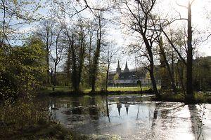 Der Weiher im Park wurde bereits 1875 angelegt.