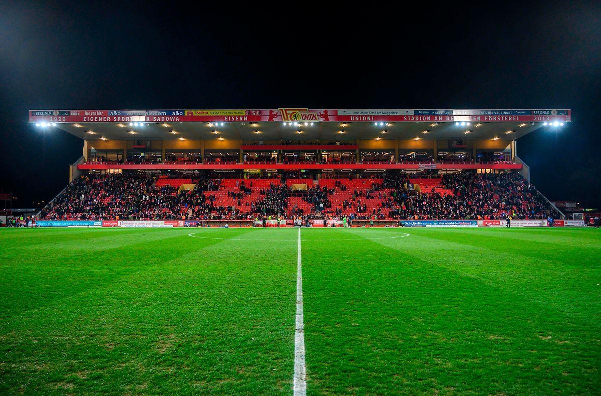 Les supporters de l'Union ont offert bénévolement 140.000 heures de travail pour la reconstruction du stade Alte Försterei en 2008-2009