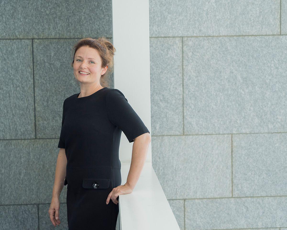 Zsófia Kräussl leitet den neuen Track.