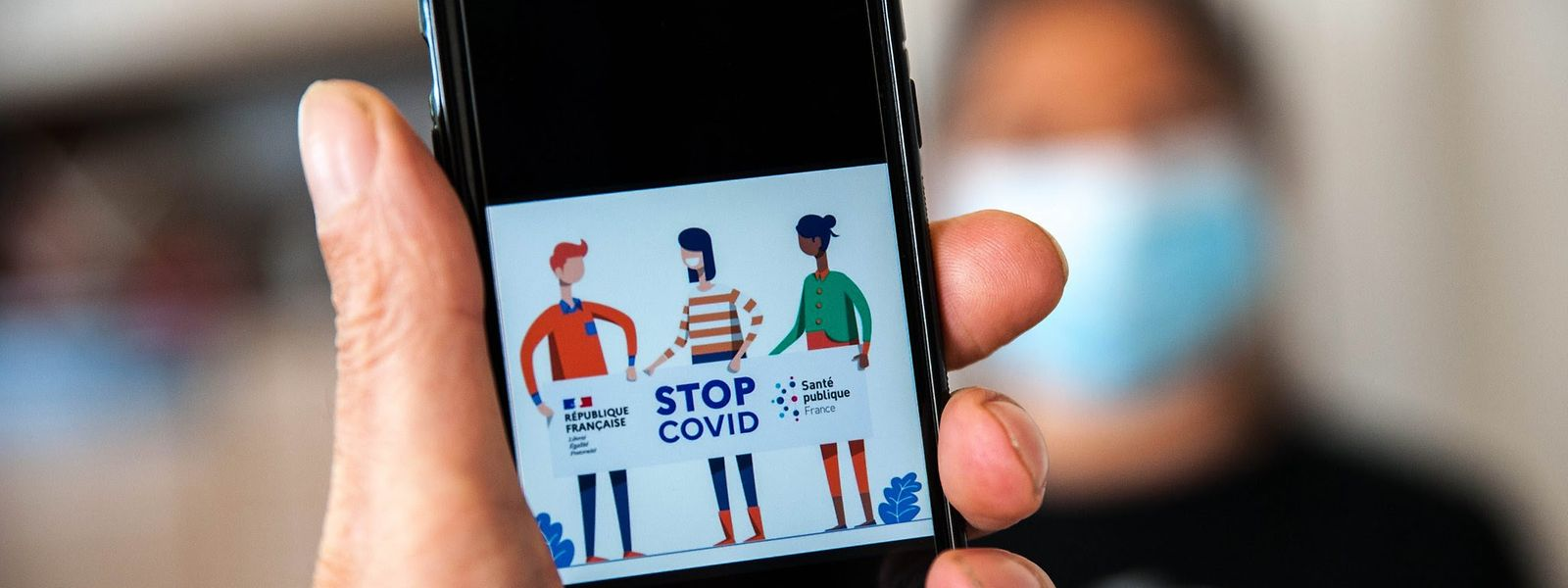 L'application française, baptisée StopCovid, a dépassé le seuil du million de téléchargement, quelques jours après son lancement.
