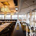 Le cadre a été conçu en clin d'oeil au fameux marché gastronomique de Barcelone, la Boqueria.