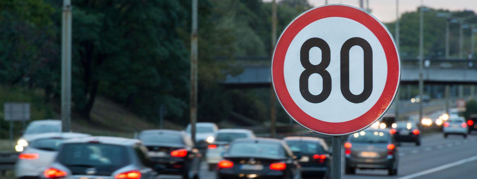 Après avoir imposé la limitation de vitesse, le gouvernement renvoie la balle aux départements.