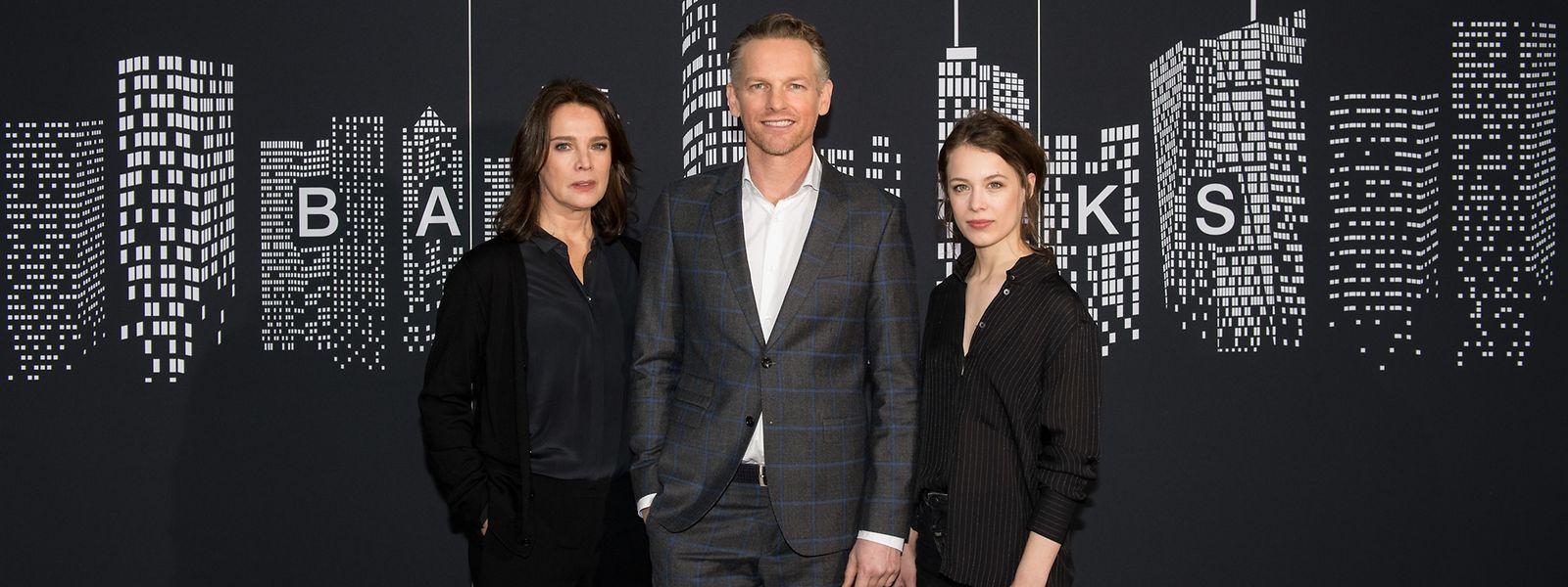 La série réunit notamment les acteurs Desiree Nosbusch, Barry Atsma et Paula Beer.