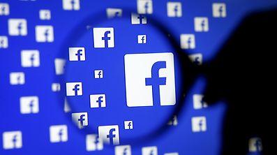 US-Heimatschutzminister John Kelly hatte schon Anfang Februar in einer Anhörung vor dem Senat gesagt, dass Einreisende möglicherweise künftig nach Passwörtern ihrer Profile in sozialen Netzwerken gefragt werden könnten.